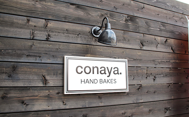 conaya. HAND BAKES